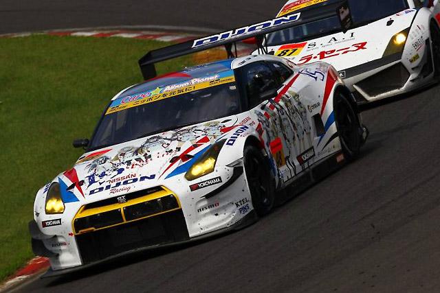 DIJON Racing IS GT-R、SUGOは僅差で得点逃す(3)