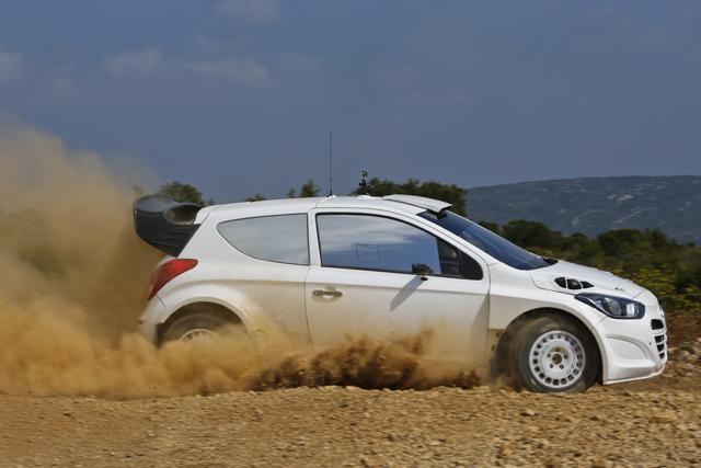 ヒュンダイi20 WRC、グラベルテストを実施(2)