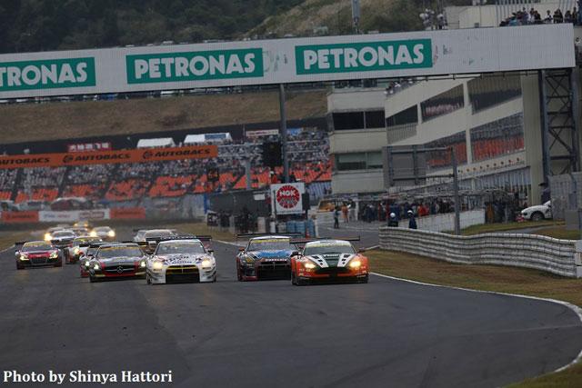Exe Aston Martin、SGTオートポリスで2位表彰台(3)