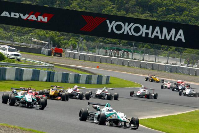 ヨコハマ、16年まで全日本F3のタイヤ供給を延長(1)