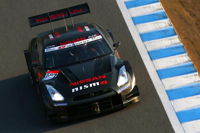 14年GT500がもてぎで走行。GT-Rが1分40秒台(2)