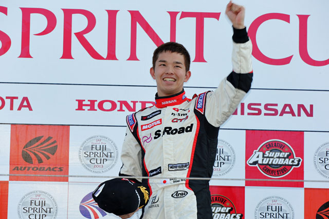 JAF GP:GT300のR1はPPの佐々木が初勝利(1)