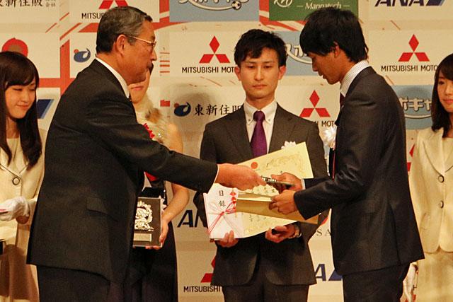 日本プロスポーツ大賞で琢磨、山本、平川が表彰(2)