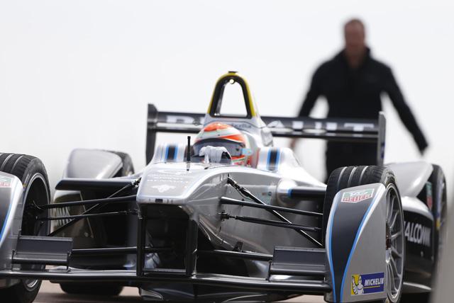 トゥルーリがフォーミュラEをテスト「F1思い出す」(1)