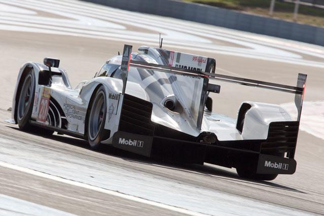 ポルシェ、WEC公式テストを前に2台体制で初走行(4)