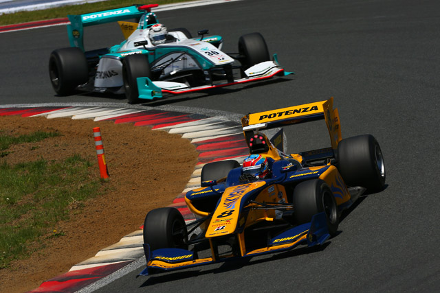 SF第2戦富士:レース1はオリベイラ完勝。一貴が2位(4)
