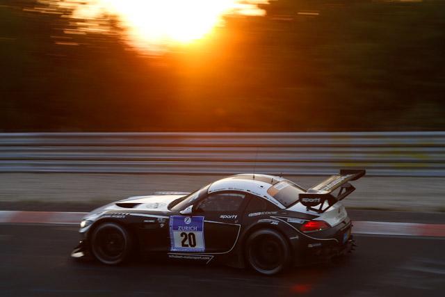 ニュル24時間:12時間経過し20号車BMWが首位に(1)
