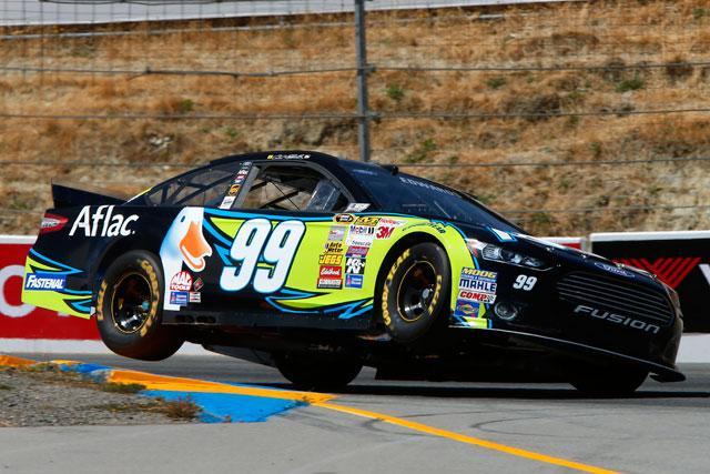 NASCAR:今季初のロード戦をエドワーズが制す(1)