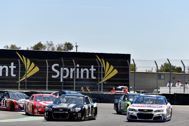 NASCAR:今季初のロード戦をエドワーズが制す(3)