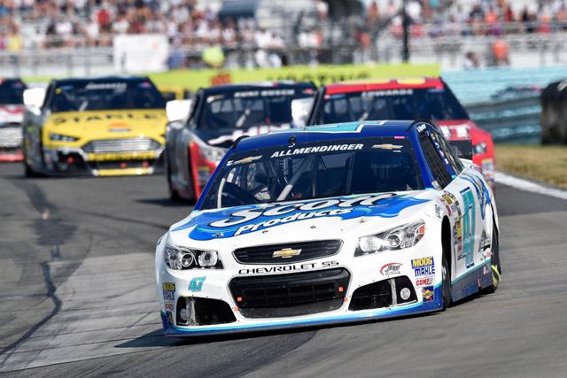 NASCAR:接戦制しアルメンディンガーが初勝利(2)