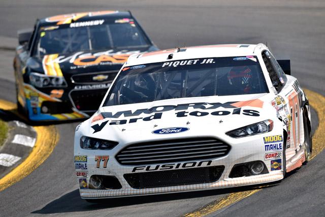 NASCAR:接戦制しアルメンディンガーが初勝利(5)