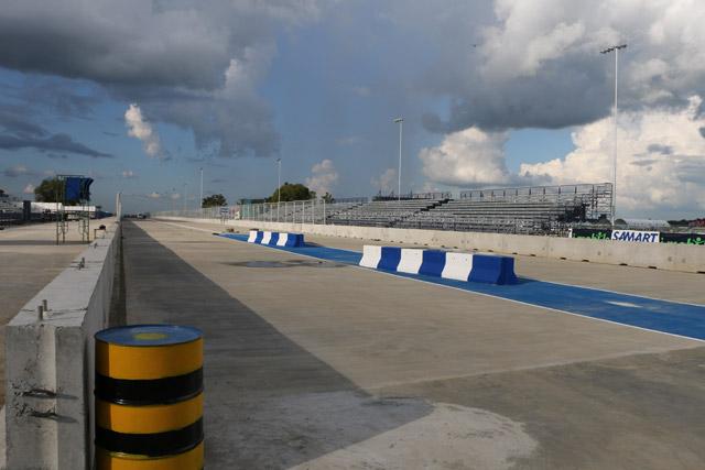 スーパーGT第7戦タイ 木曜日のサーキットの様子