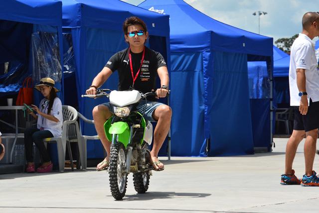 スーパーGT第7戦タイ:金曜日のサーキットの様子