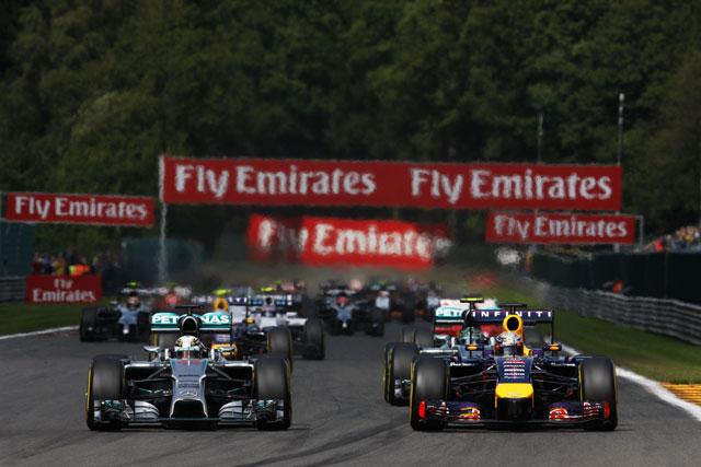 メルセデス、エンジン規則変更に反対。ライバルから批判(1)