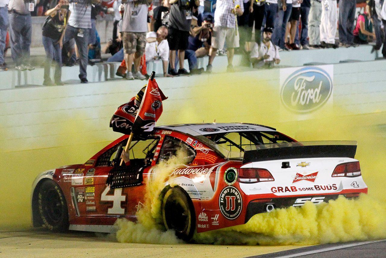 NASCAR:ハービックが優勝で初戴冠を決める(2)