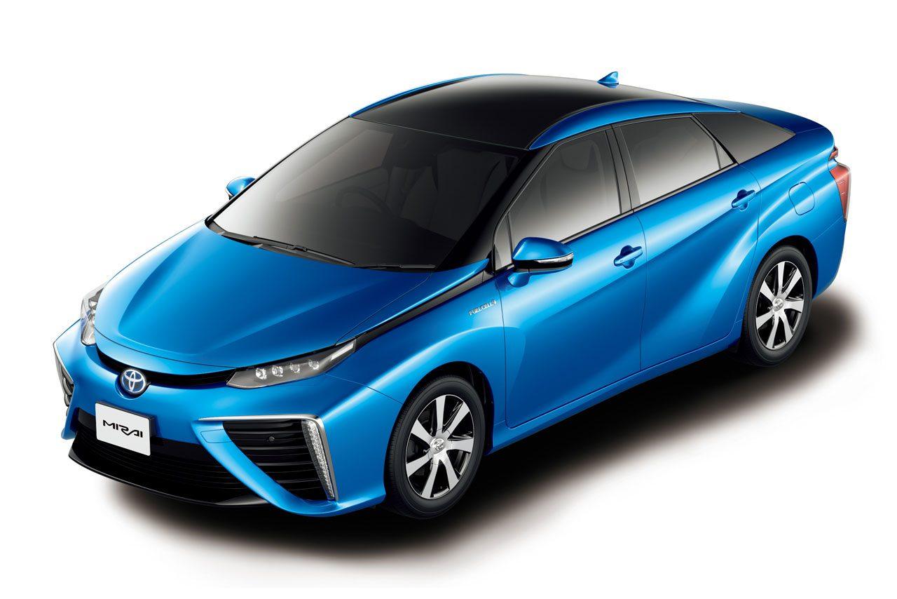 トヨタ、新型燃料電池セダンの『MIRAI』を発売(1)