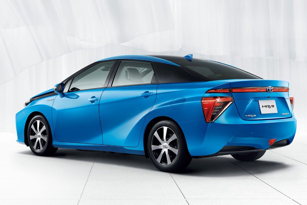 トヨタ、新型燃料電池セダンの『MIRAI』を発売(2)