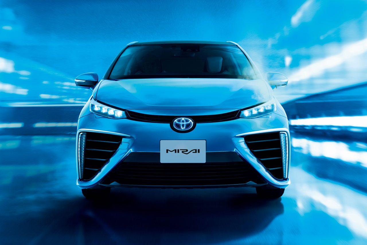 トヨタ、新型燃料電池セダンの『MIRAI』を発売(3)