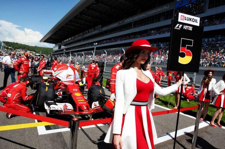 F1 | ジャッキー・スチュワート「グリッドガールとF1での女性の活躍とは、何も関係ない」
