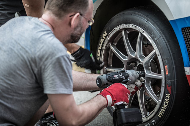 2017年、WTCC世界ツーリングカー選手権にタイヤを供給したヨコハマタイヤ
