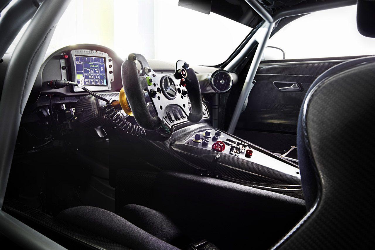 メルセデスAMG-GT3の画像公開。15年末に販売開始(4)