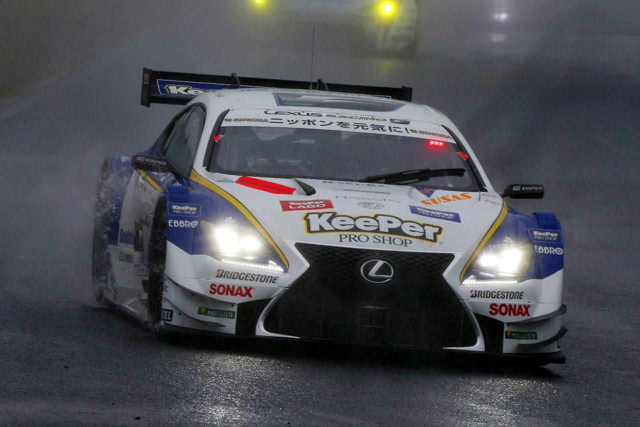 終盤の雨で首位奪還! KeePer RC FがSGT開幕勝利飾る(1)