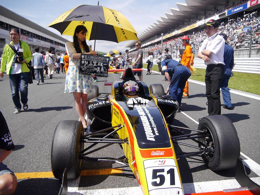 FIA-F4選手権富士:一騎打ちを制した坪井が初V飾る(4)