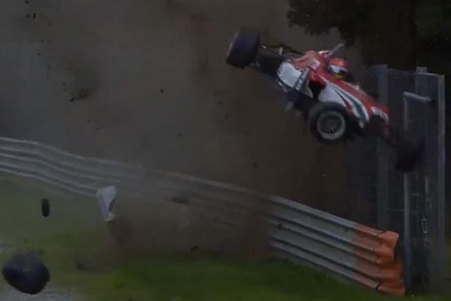 F3モンツァで大クラッシュ、カオスな状況に陥る(1)