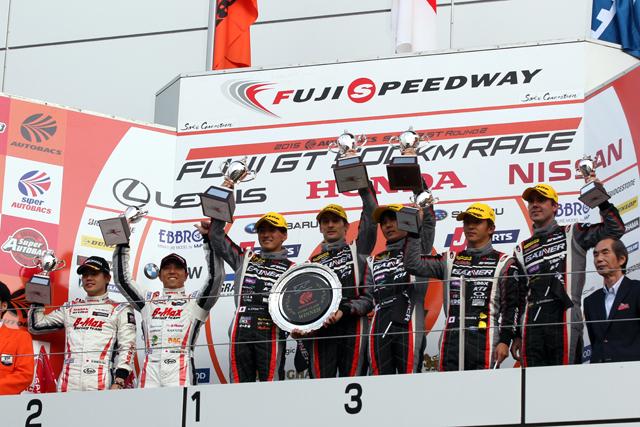 GAINER TANAX GT-R、第2戦富士で今年初優勝(1)
