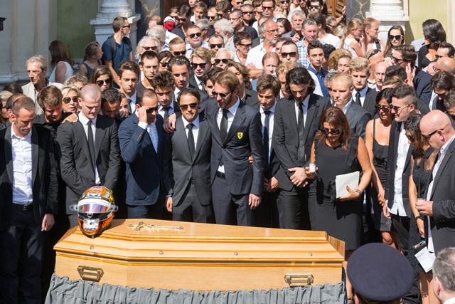 ビアンキの葬儀に多くのF1ドライバーが参列(1)