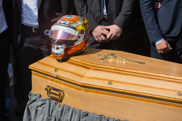 ビアンキの葬儀に多くのF1ドライバーが参列(5)
