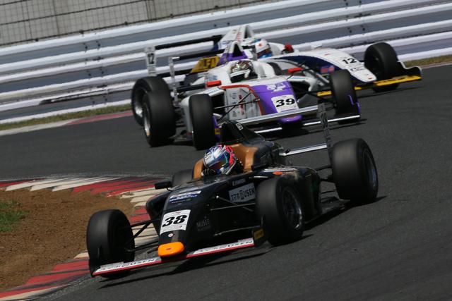 若手の新登竜門、FIA-F4ドライバーに聞く:其の3(1)