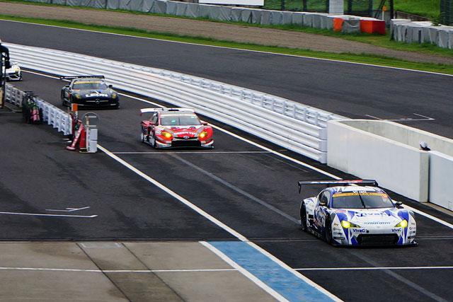 SGT鈴鹿:GT300公式練習はマザーシャシーが首位(1)