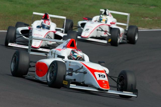 篠原拓朗、FIA-F4 SUGOで自己最高位の4位入賞(1)