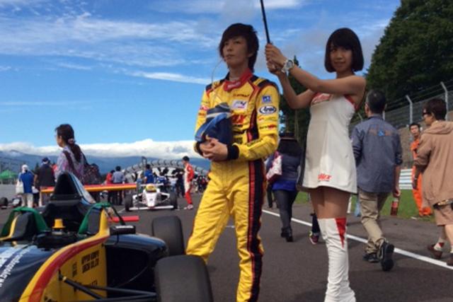 FIA-F4 SUGO、山田真之亮の完走記録途絶える(2)