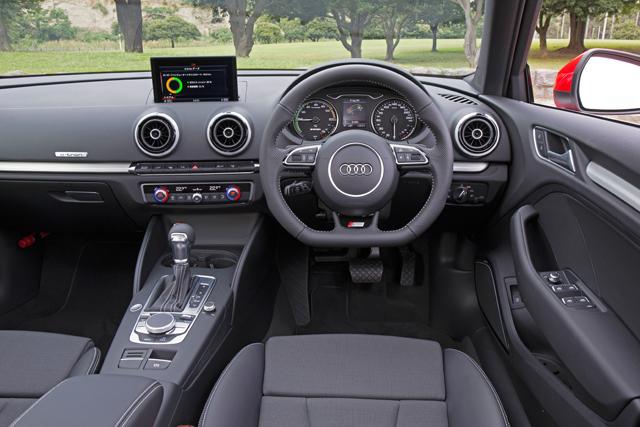 アウディ、新型A3 Sportback e-tronを年内に発売へ(3)