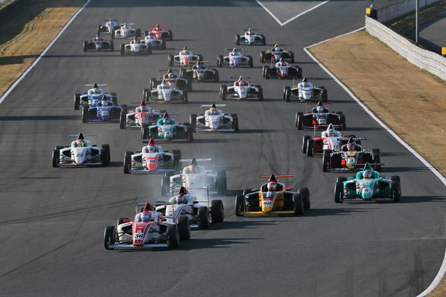 FIA-F4選手権AP:坪井が戴冠に王手。山田初V