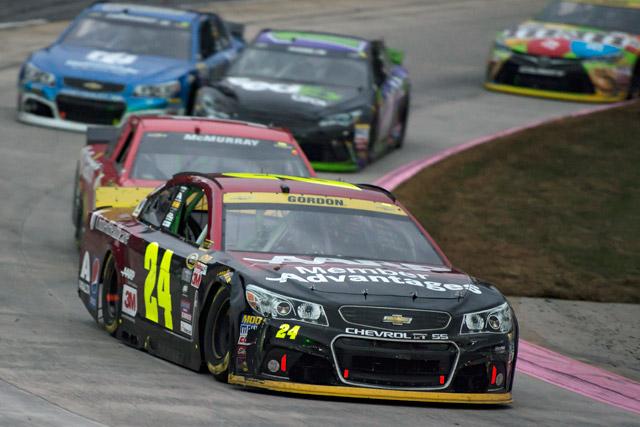 NASCAR:ゴードンが今季初Vで王座獲得に前進(1)
