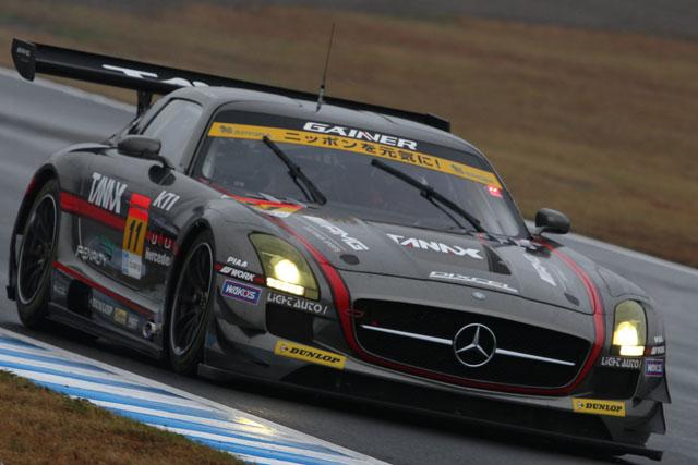 GT300:決勝日朝もプリウス首位。僅差でSLS続く(3)