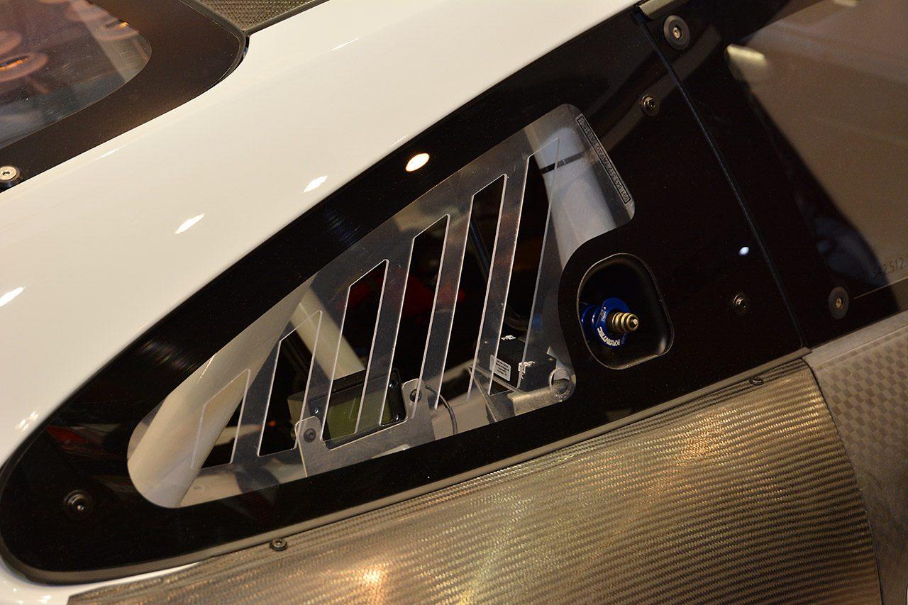 日本初登場の新ポルシェ911 GT3Rが汐留に見参