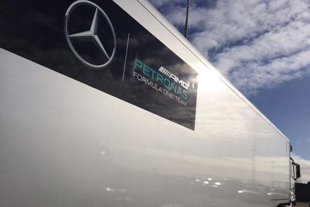 メルセデス、ロズベルグが新車W07をシェイクダウン(1)