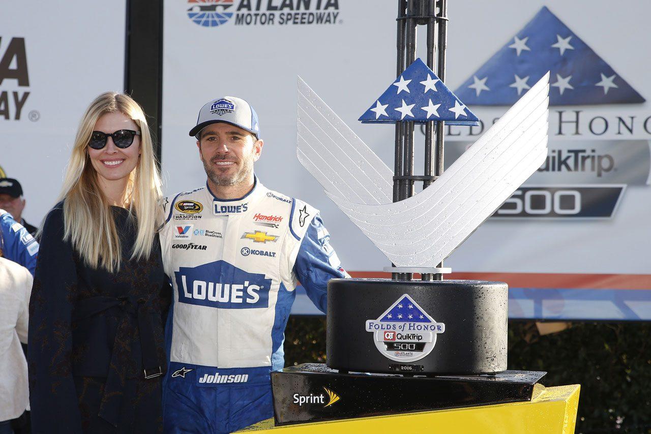 NASCAR第2戦、トヨタ・カムリが2戦連続表彰台(1)
