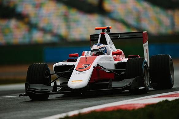GP3で今季の新型車両「GP3/16」がシェイクダウン