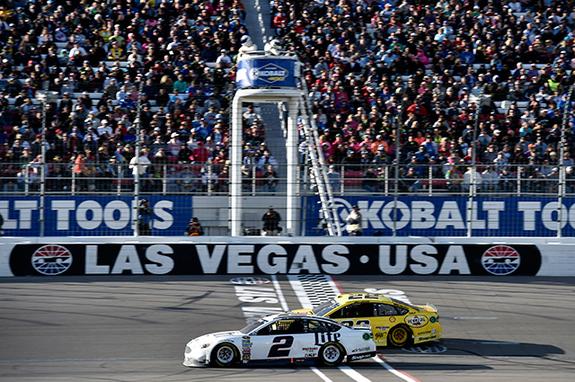NASCAR第3戦、ブッシュが地元で好走も勝利ならず(1)