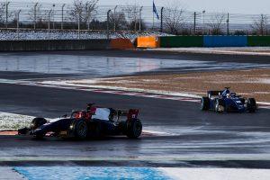 フランス・マニクールを走るFIA F2の2018年型マシン