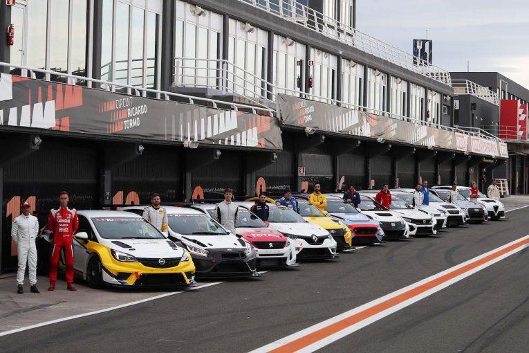 海外レース他 | TCR:バレンシアBoPテストに新型マシン続々。メガーヌはクラッシュの不運