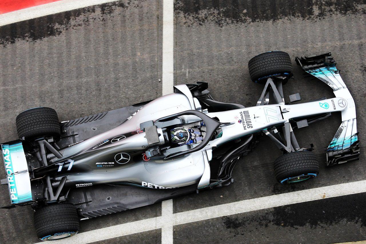 バルテリ・ボッタスがメルセデスW09のシェイクダウン