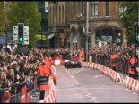 F1 | 【動画】バトンがマンチェスターでF1デモラン