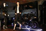 MotoGP | カワサキ、都内で新型Ninja250/400をモデルに女性向け二輪ライフを提案する展示を実施
