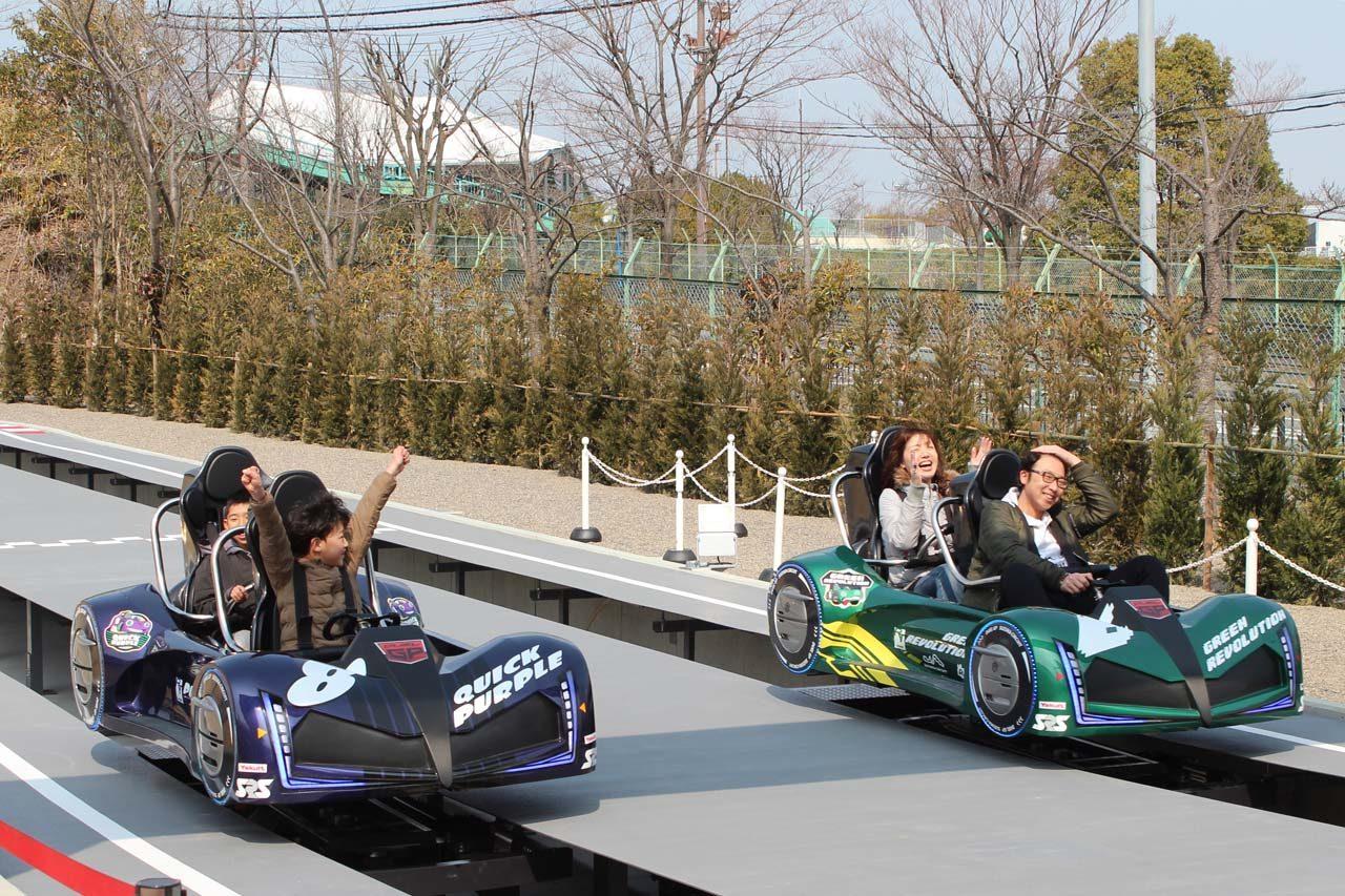 世界初、操縦&バトルが楽しめる二人乗りコースター『デュエルGP』が鈴鹿サーキットに登場